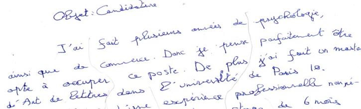 Gaucher contrarié souhaitant reprendre sa main gauche pour écrire
